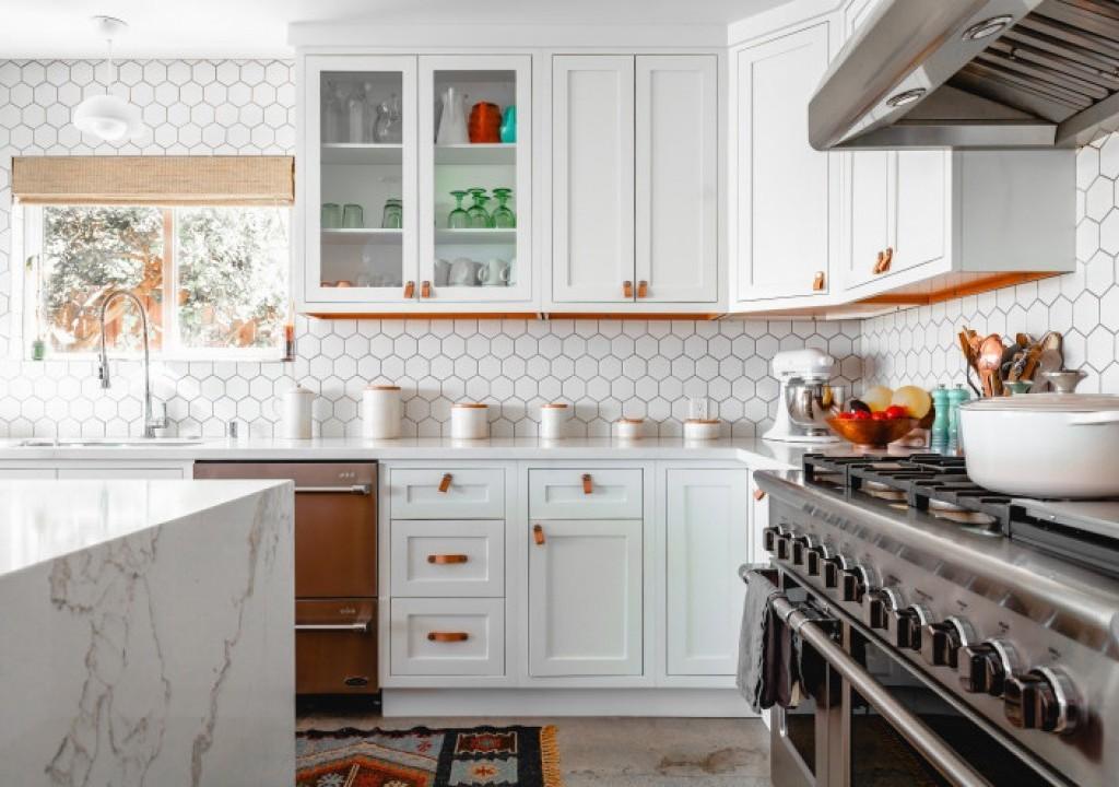 Imagem da notícia: - Estás cansado da tua cozinha? Dá-lhe um ar mais fresco