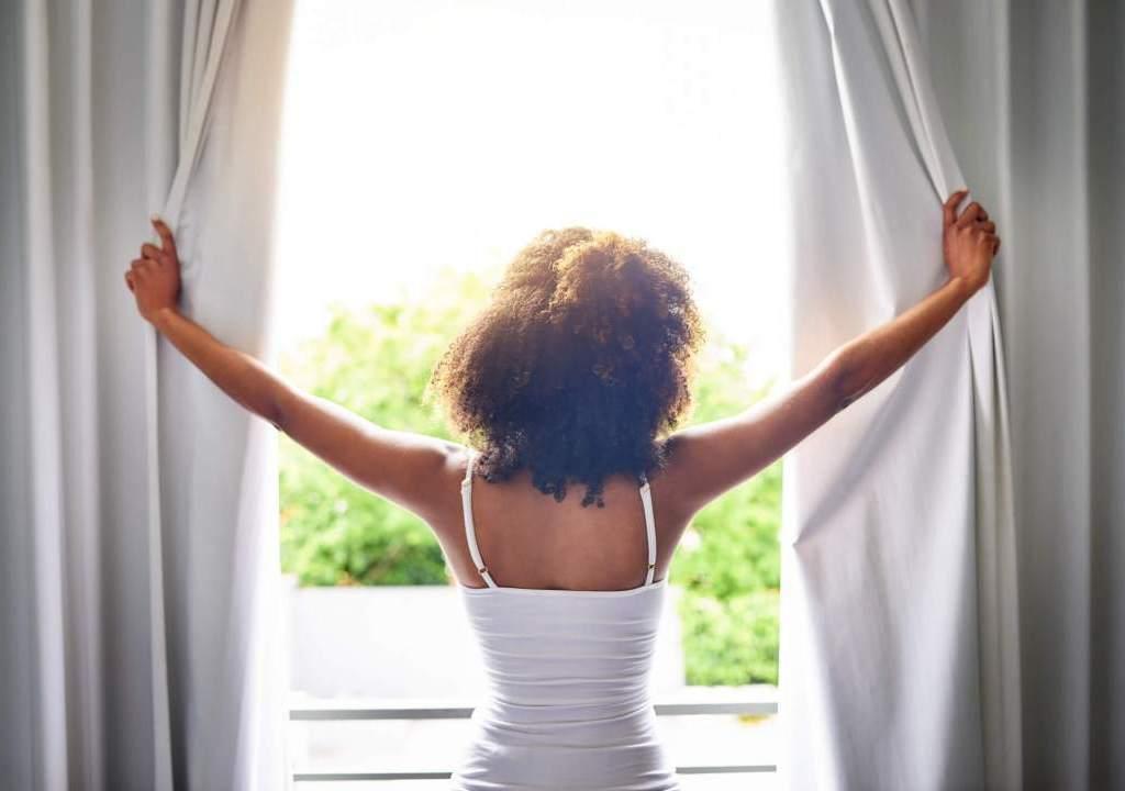 Imagem da notícia: - Tricks to improve the quality of the air we breathe at home