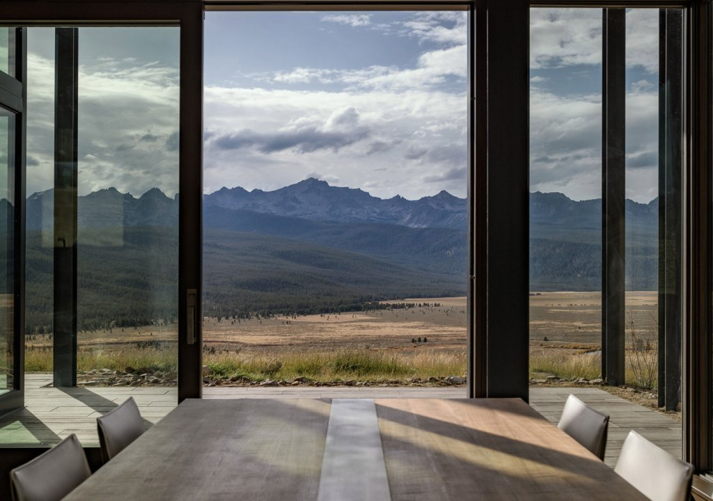 Imagem da notícia: - Salas de jantar com vistas de sonho