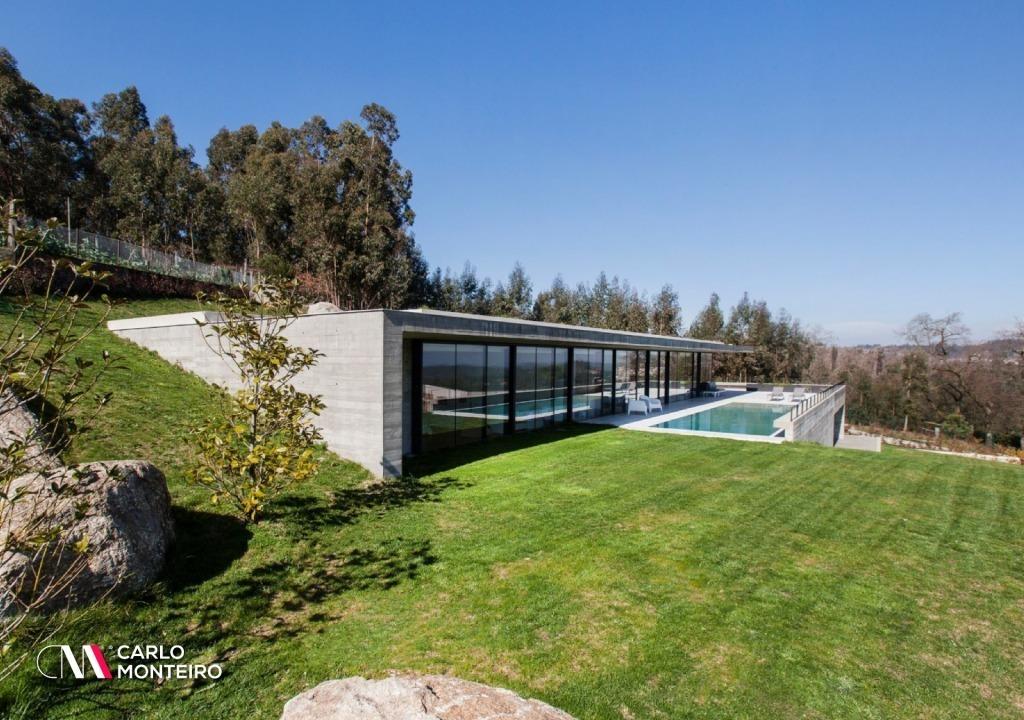 Imagem da notícia: - As vantagens de ter uma casa com jardim no verão