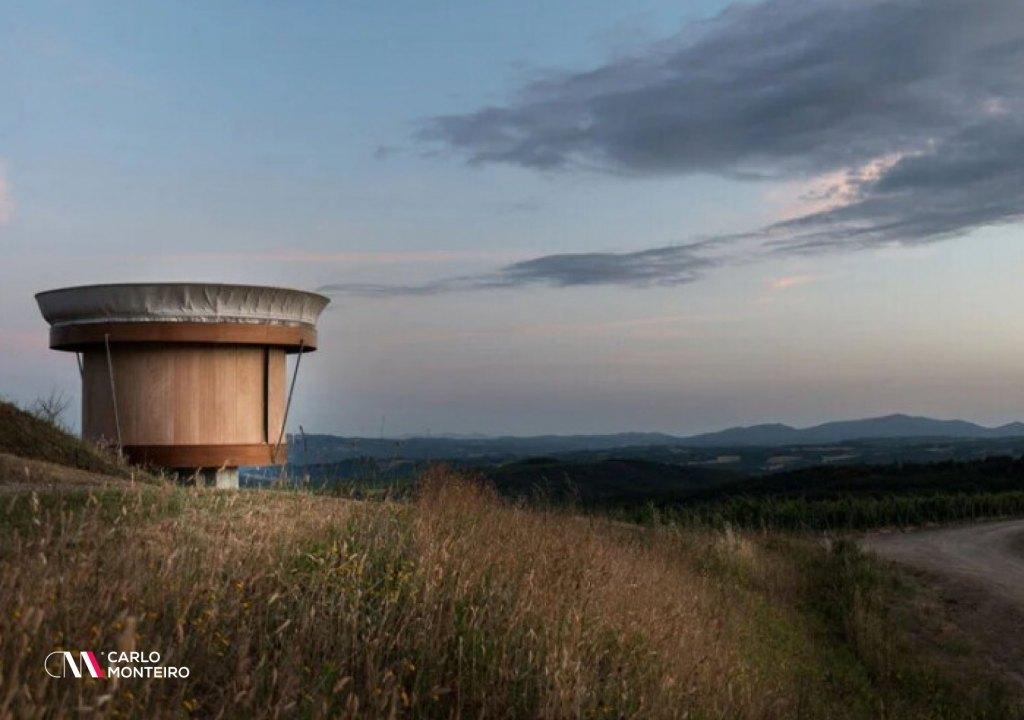 Imagem da notícia: - A prefabricated modular house with 27 m2 and all the luxuries