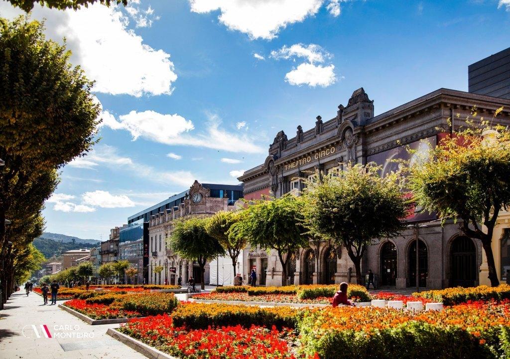 Imagem da notícia: - Turismo acelera em Braga. É o concelho que atrai mais turistas!